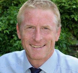Dr Christof Kastner