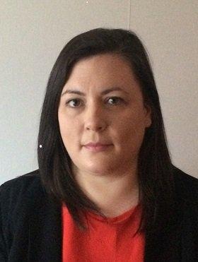 Head and shoulder shot of Dr Lisa Sharkey