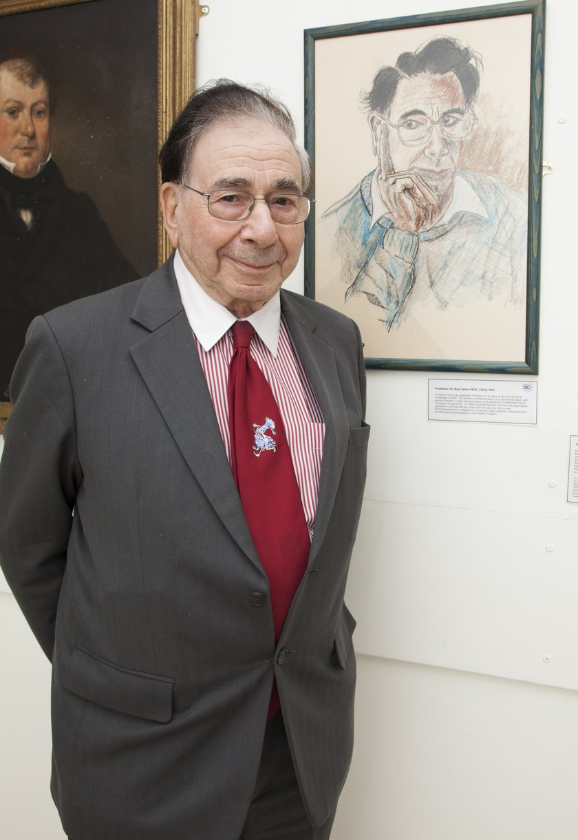 Sir Roy Calne opening a display dedicated to transplant in the hospital museum area